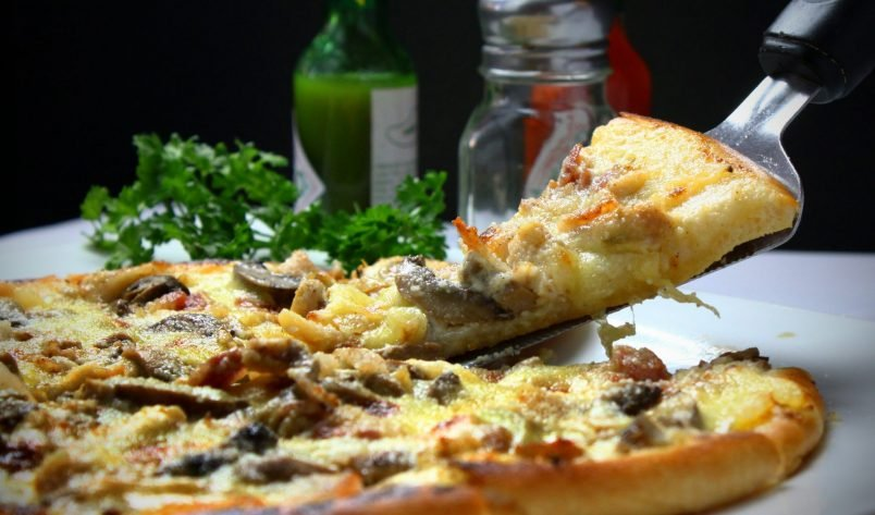 Nadmierne wzdęcia po pizzy – tak czy nie?